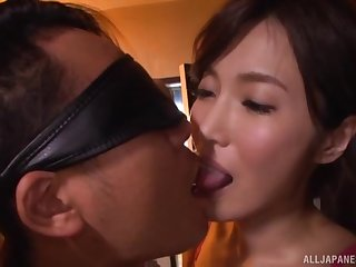 Kimijima Mio pussy creampied while riding a blindfolded guy