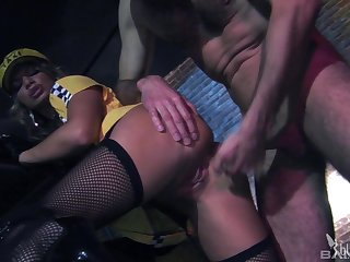 Busty blonde taxi driver gets a cumshot from a satisfied customer