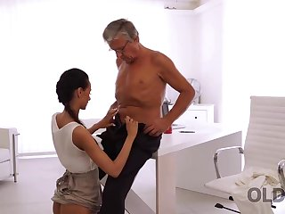 Unbelievable old with an increment of young sex happened right in someone's skin office