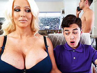 Busty stepmom interested less taste schoolboy's dick