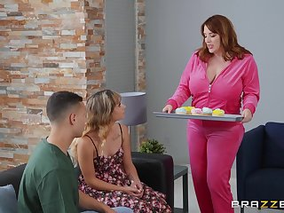 Chunky milf Maggie Green gets her pussy pounded from behind