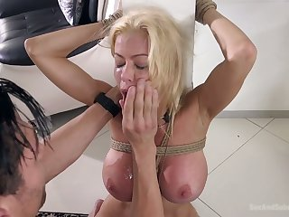Blindfolded busty blonde MILF Alexis Fawx deserves some lasting mouthfuck